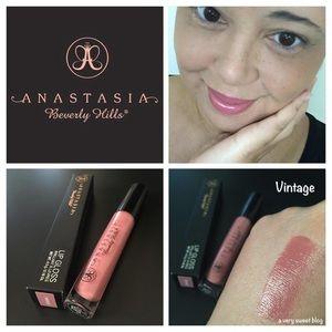 BNIB Anastasia Beverly Hills Lipstick Vintage